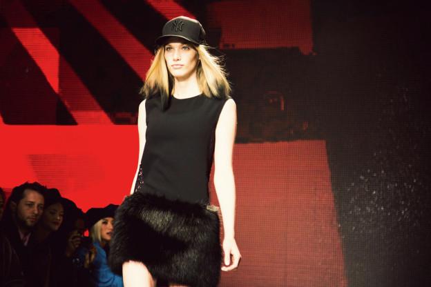 Runway Trend: Schwarze Spitzen bei DKNY