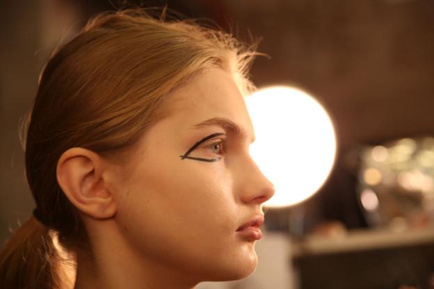 Backstage Beauty: Der Look von DKNY