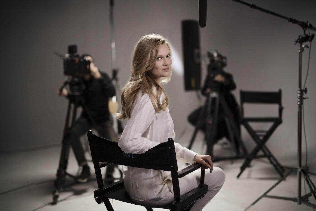 Video Interview: Supermodel Toni Garrn über Haarpflege und Herzensprojekte