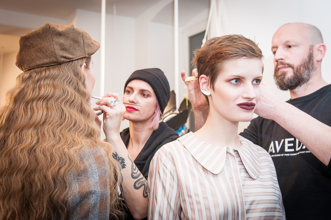 Backstage Beauty: Mit Aveda bei Anissa Aida auf der Berlin Fashion Week