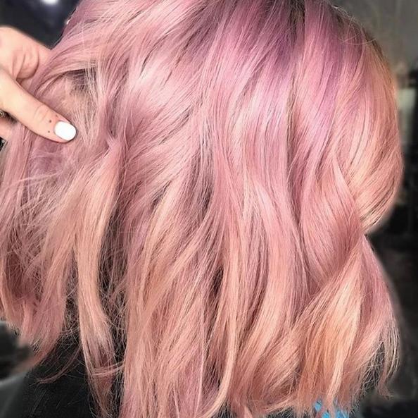 Die Trend-Haarfarbe für den Sommer: Pink Champagne!