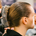 New York Fashion Week Haar-Trend: Das Comeback der Haarklammer!