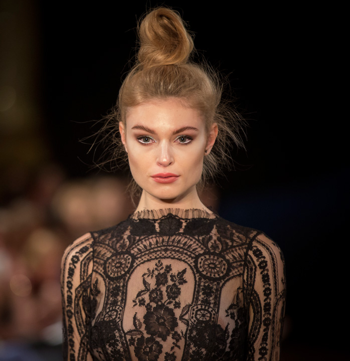 London Fashion Week Haar-Trends: Der Ballerina-Dutt von Moroccanoil!