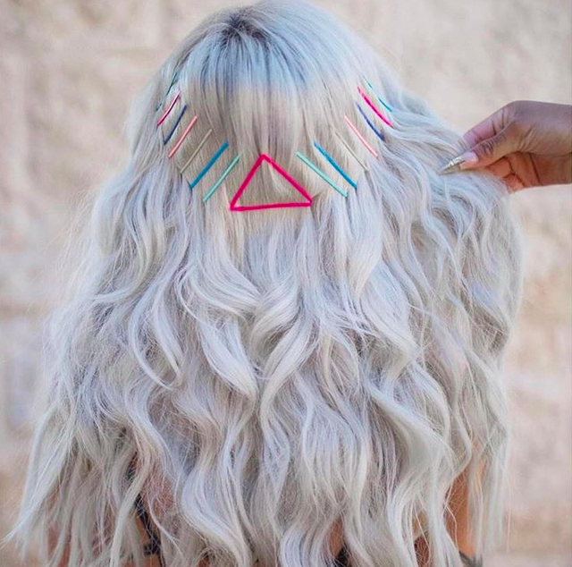 Frisuren-Inspirationen: Haarnadeln als Accessoires!