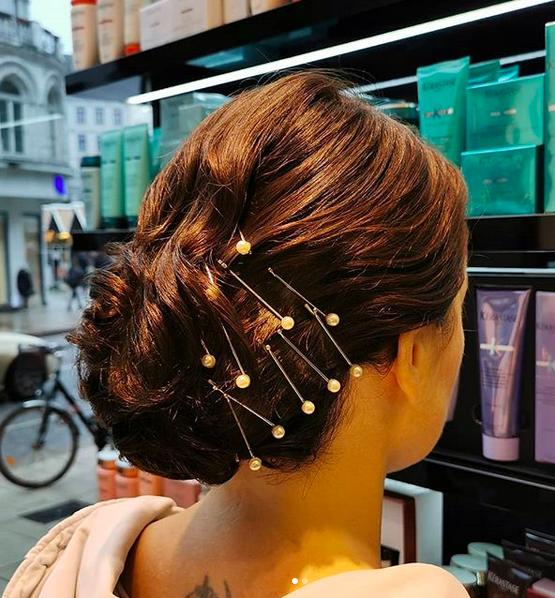 Silvester Frisuren Inspiration aus unseren Salons: Easy Glamour!